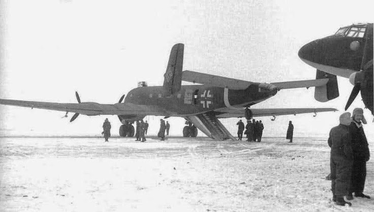 world war ii in pictures junkers ju 290 cargo reconnaissance luftwaffe plane. Black Bedroom Furniture Sets. Home Design Ideas