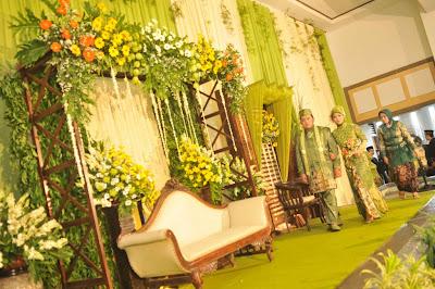 dekorasi pernikahan mewah