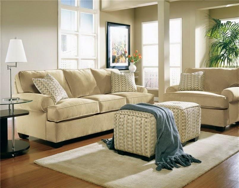 ruang tamu dengan Desain minimalis