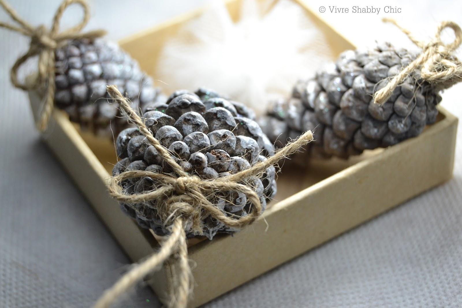Vivre shabby chic calendario dell 39 avvento progetto - Decorazioni natalizie con le pigne ...