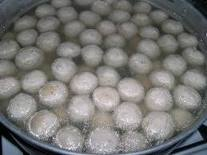Cara Membuat Pentol Bakso Kenyal Dari Daging Sapi