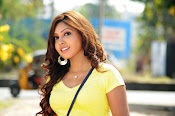Komal Jha unseen photos gallery-thumbnail-15
