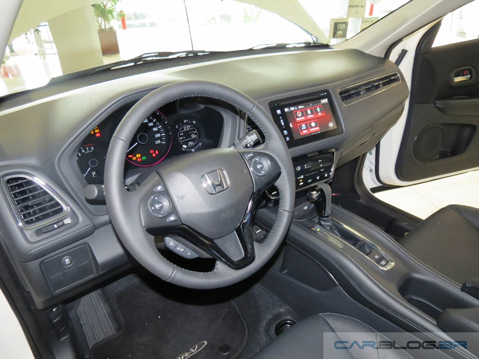 Honda HR-V Cinza Iridium - interior