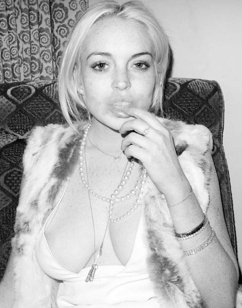 lindsay lohan areola slip 020712a.jpg Nothing better then Sweet Krissy nude. sweetkrissy pearls 3