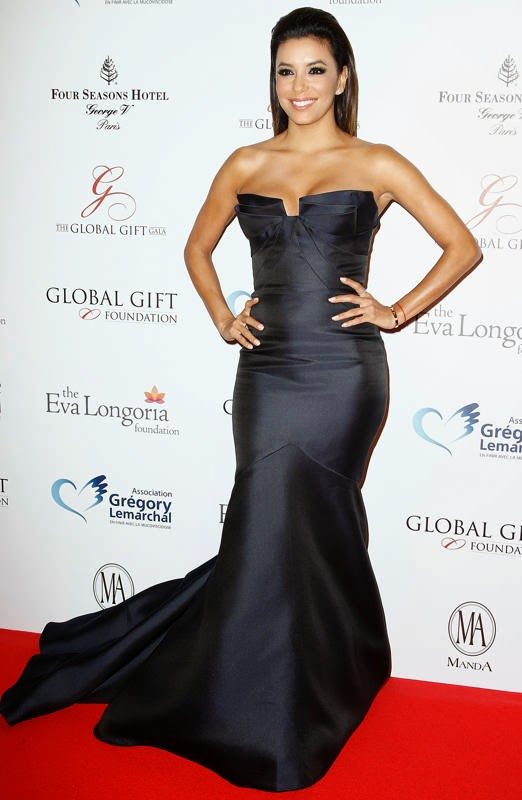 Eva Longoria wearing a strapless Monique Lhuillier gown and Martin Katz jewels