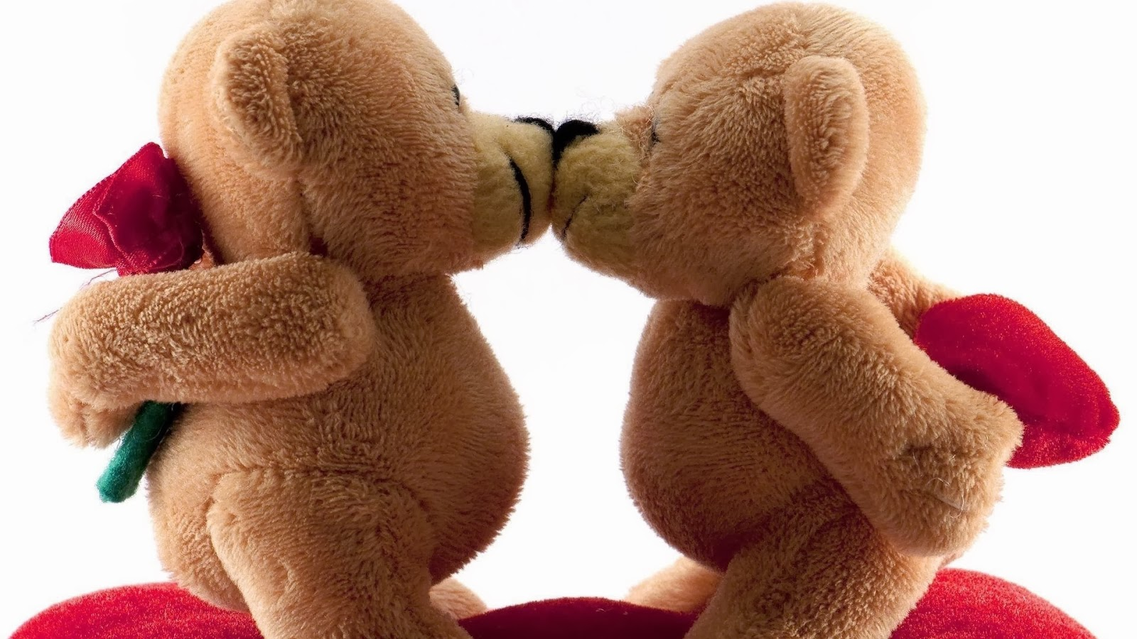 Valentines Day Bears Kiss Romance   Lovers Corner ~ Happy Valentines Day  2015