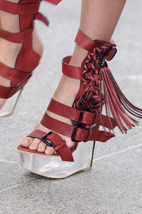 püsküllü ayakkabı