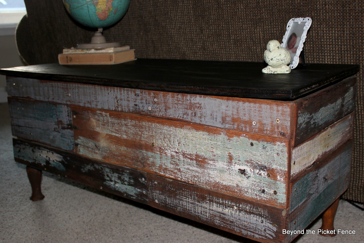 Beyond The Picket Fence Pallet Storage Bench Coffee Table Tutorial