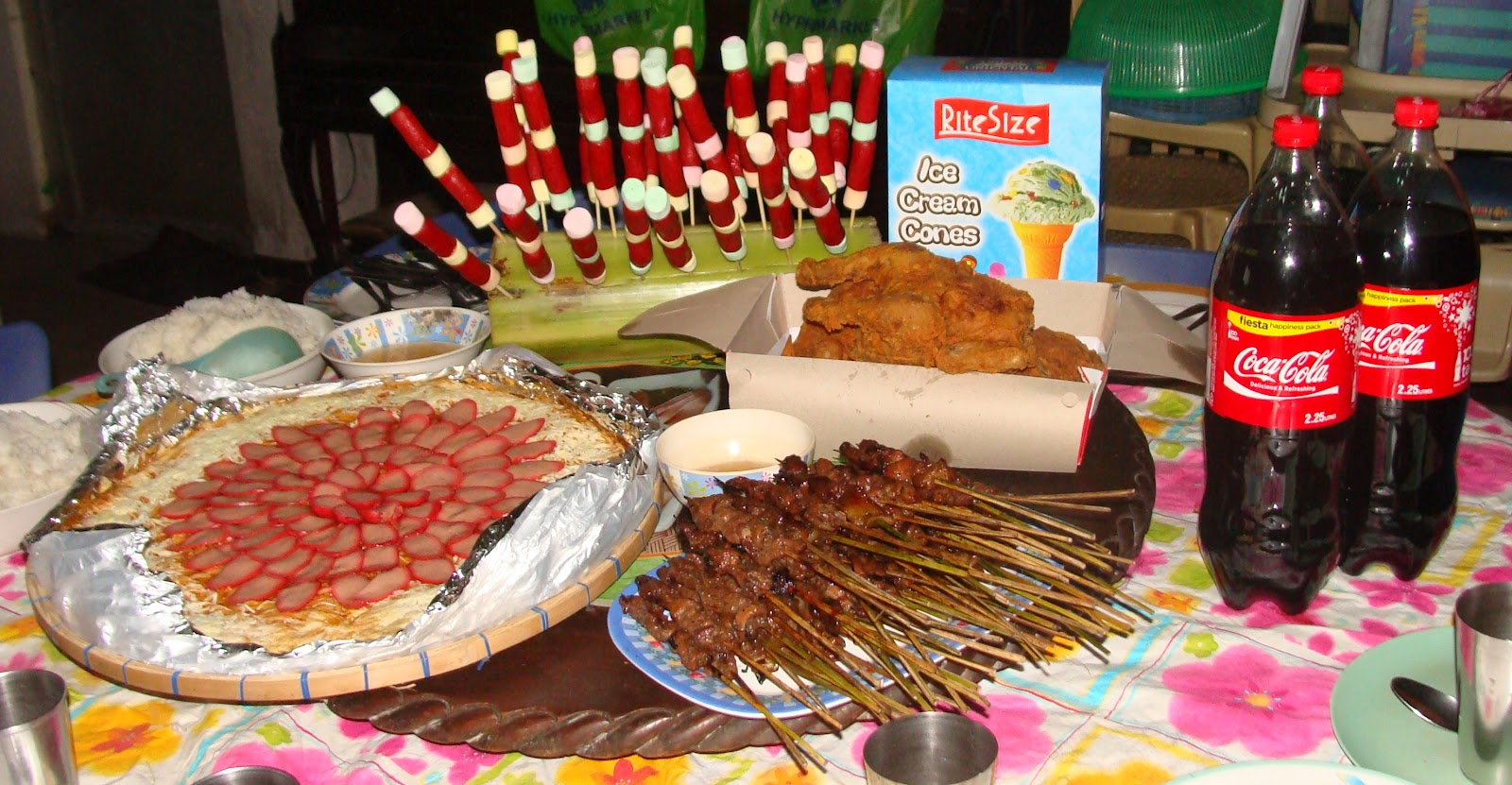 Mommyholic 2012 his birthday celebration was very simple but he celebrated it with the people he loved most yung nakakasama niya sa araw araw kristyandbryce Images