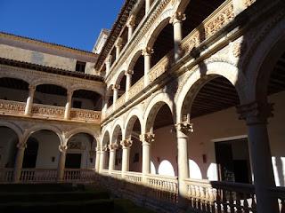 Claustro del Monasterio de San Bartolomé