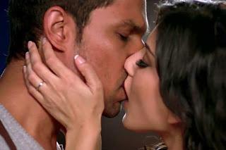 Sunny Leone Randeep Hooda Jism 2 Lip Lock Kiss Scene