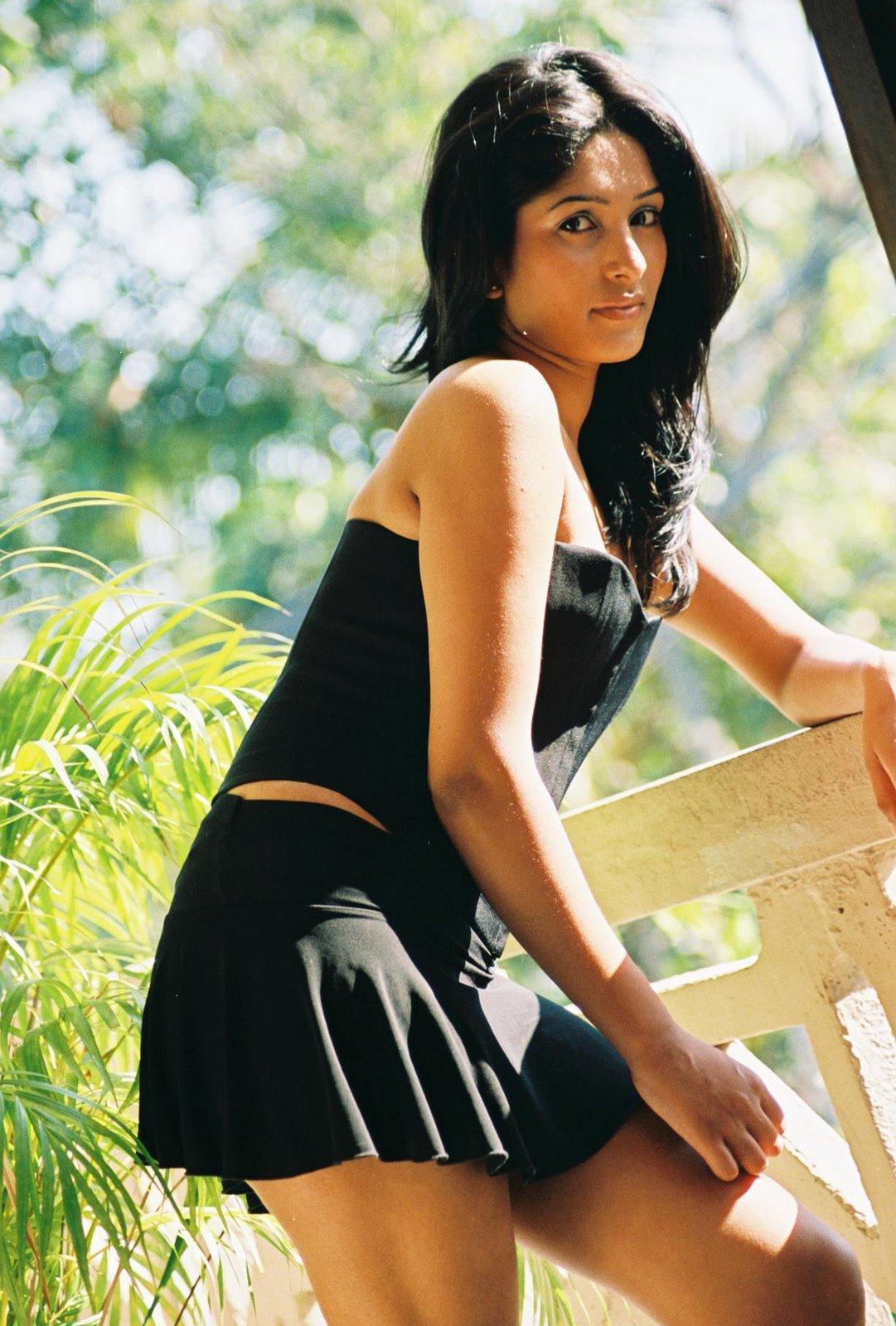 TamilCineStuff | : Upeksha Swarnamali hot and seductive