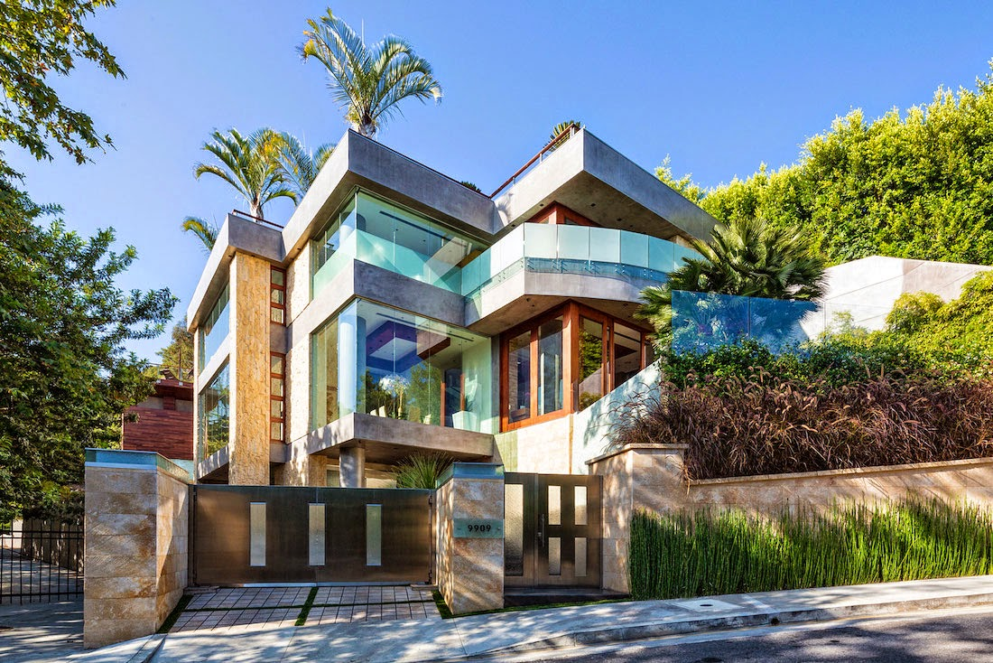 Stunning Contemporary Modern Style Home In Beverly Hills