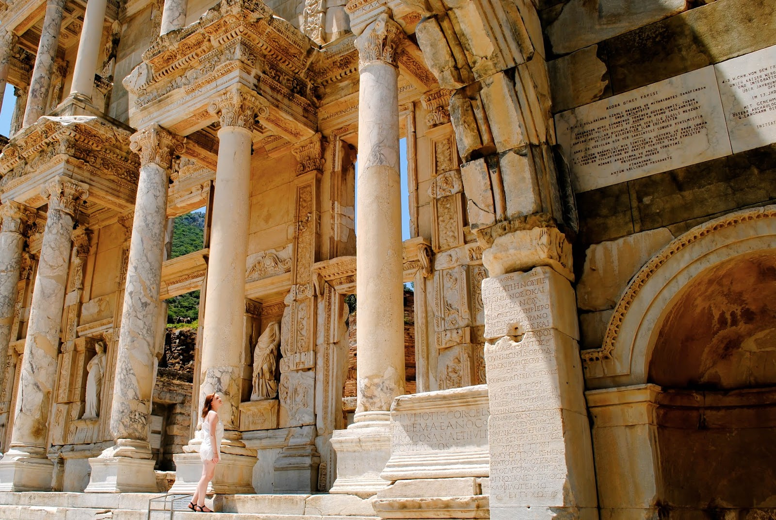 Places to visit in Turkey : The Library of Celsus in Ephesus