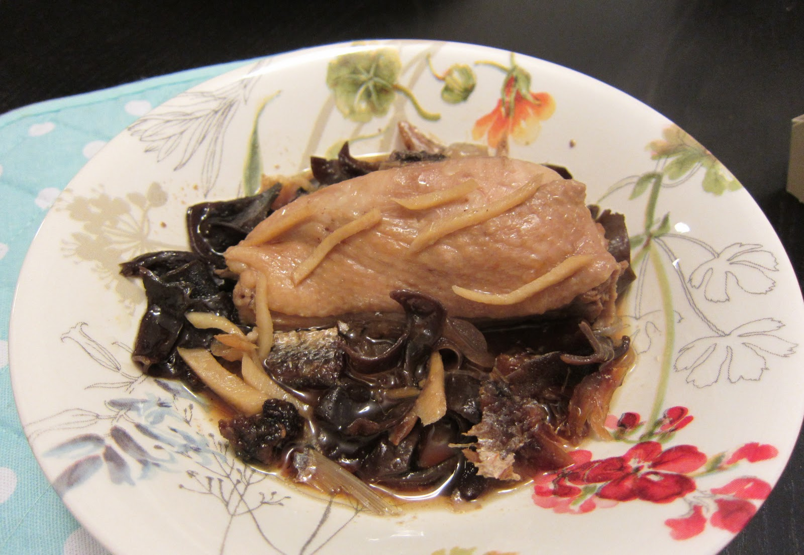 KitchenVamp: Steamed Ginger Chicken with Black Fungus & Salted Fish