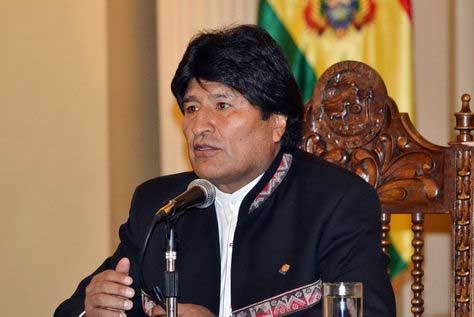 Evo Morales presenta 11 normas para beneficiar la producción en Bolivia