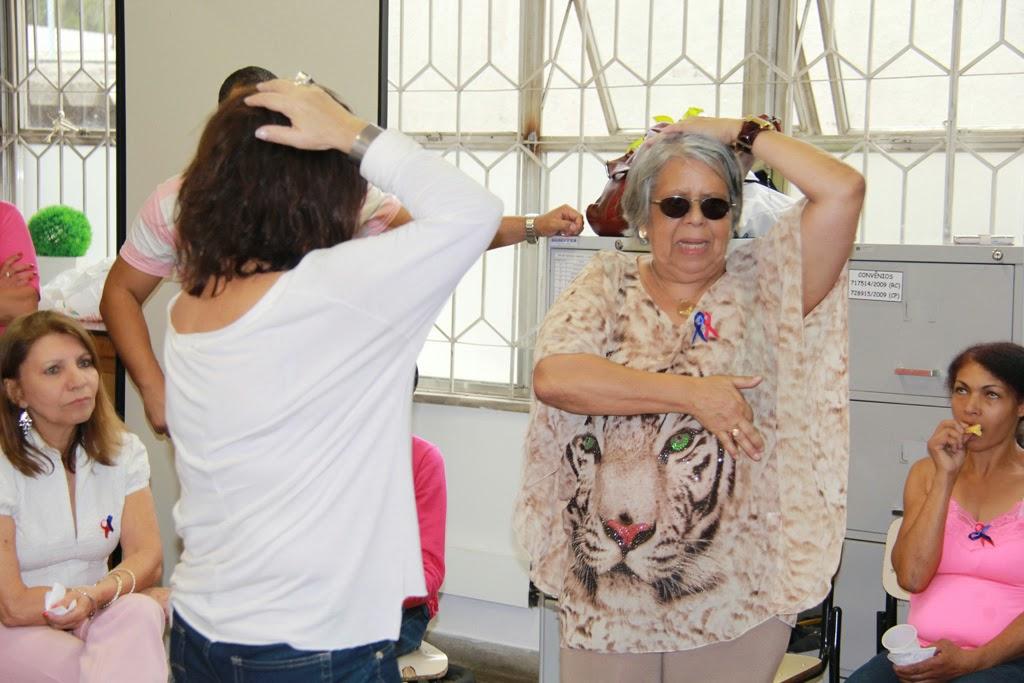 Prevenção: médica Conceição Salomão ensina o autoexame das mamas