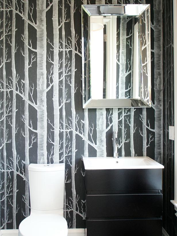 Интерьер и дизайн маленькой ванной комнаты с деревьями