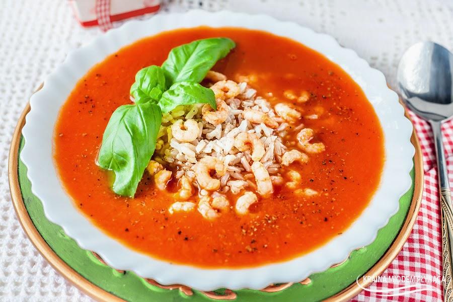zupa pomidorowa, zupa na soku pomidorowym, zupa z soku pomidorowego, pomidorówka, sok pomidorowy, ryż brązowy, zupa z ryżem, krewetki koktajlowe, krewetki, danie z krewetkami, zupa z krewetkami, kraina miodem płynąca