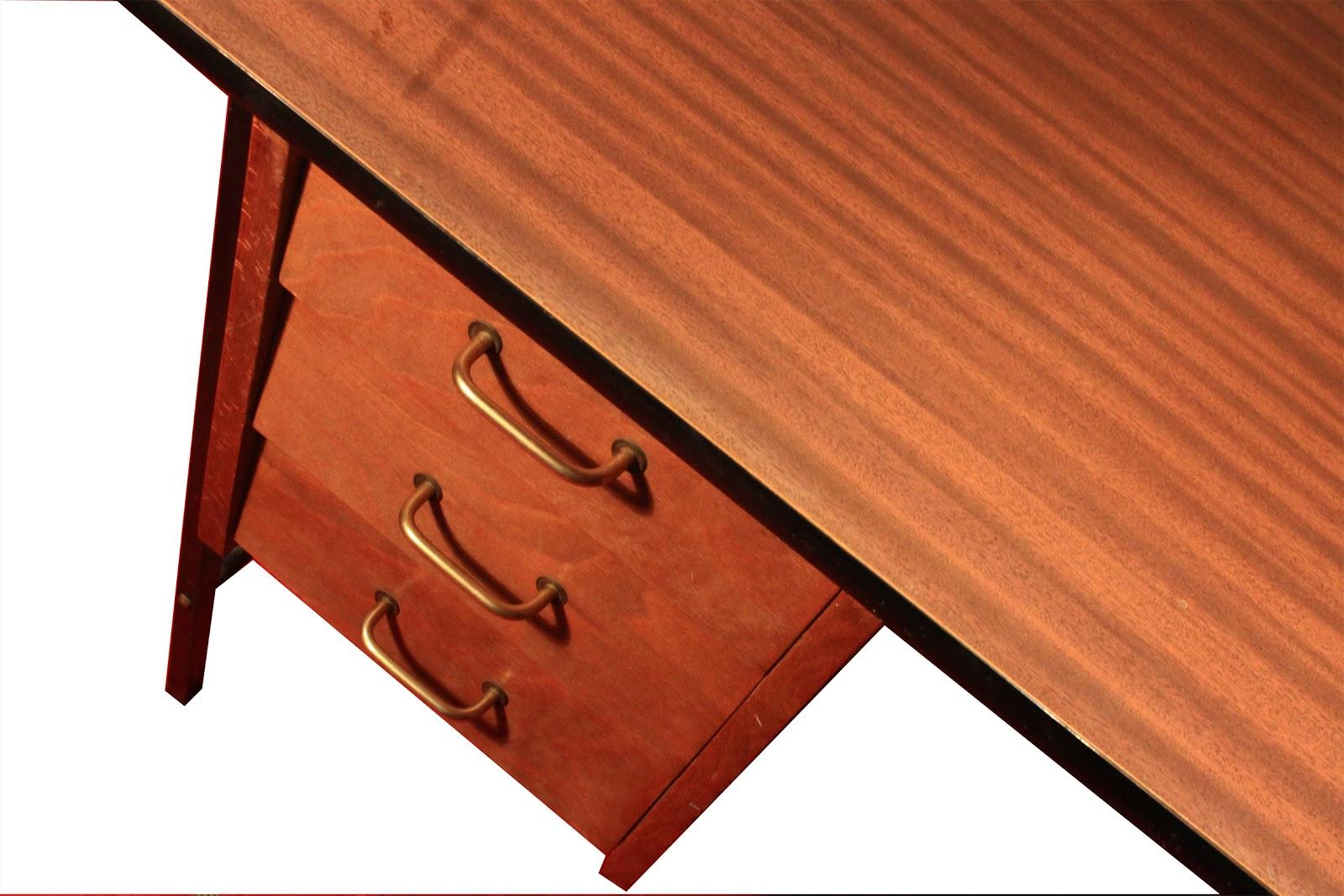 chicbaazar objets vintage 50 60 70 bureau guariche paulin design moderniste. Black Bedroom Furniture Sets. Home Design Ideas