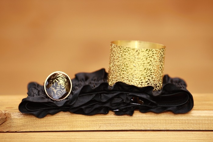 ring aldo, prstýnek aldo, černý pásek do pasu, zlatý náramek, orsay