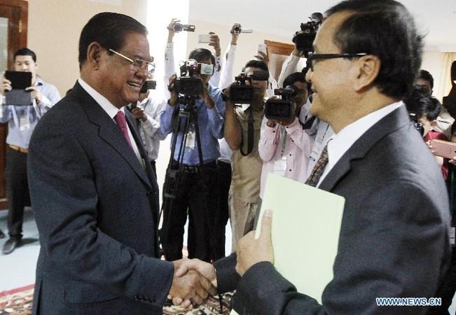 http://kimedia.blogspot.com/2015/01/cambodian-ruling-opposition-leaders.html