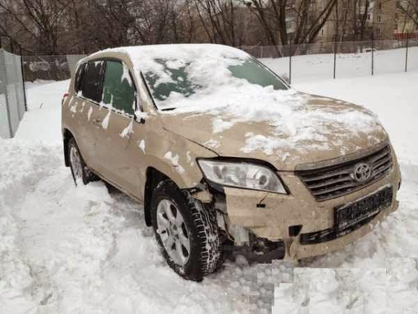 В разбор поступил Toyota RAV 4