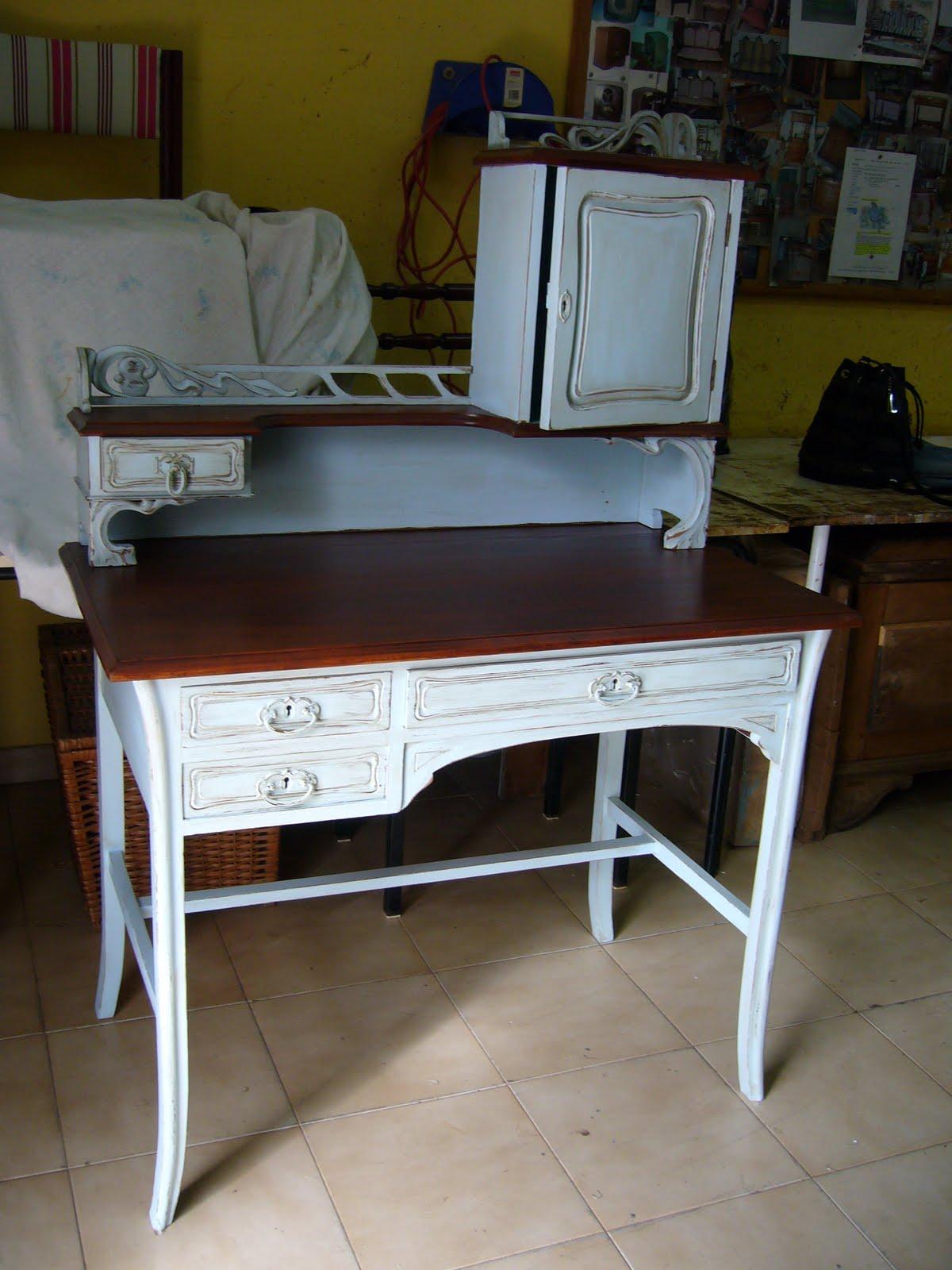 Muebles patinados dos azules la restauradora de la for Mueble castellano restaurado