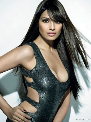 Bipasha Basu Heating up Maximum Page