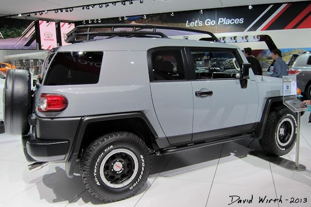 jeep FJ Cruiser, jeep dealer, jeep automotive dealer, 2014 vehicle, 2013