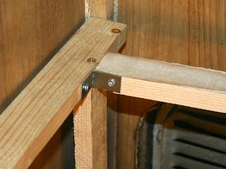 Fixing the rear horizontal cross piece