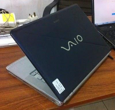 jual laptop bekas sony vaio vgncr320e