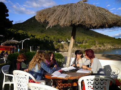 Equip de professors 2012 al bar de Cala Monjoi