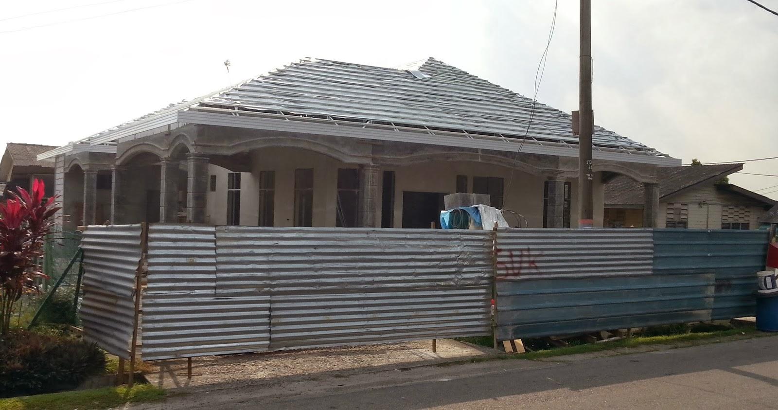 Kerjakerja Membina Beam Atas Roof Beam Membina Rumah ...
