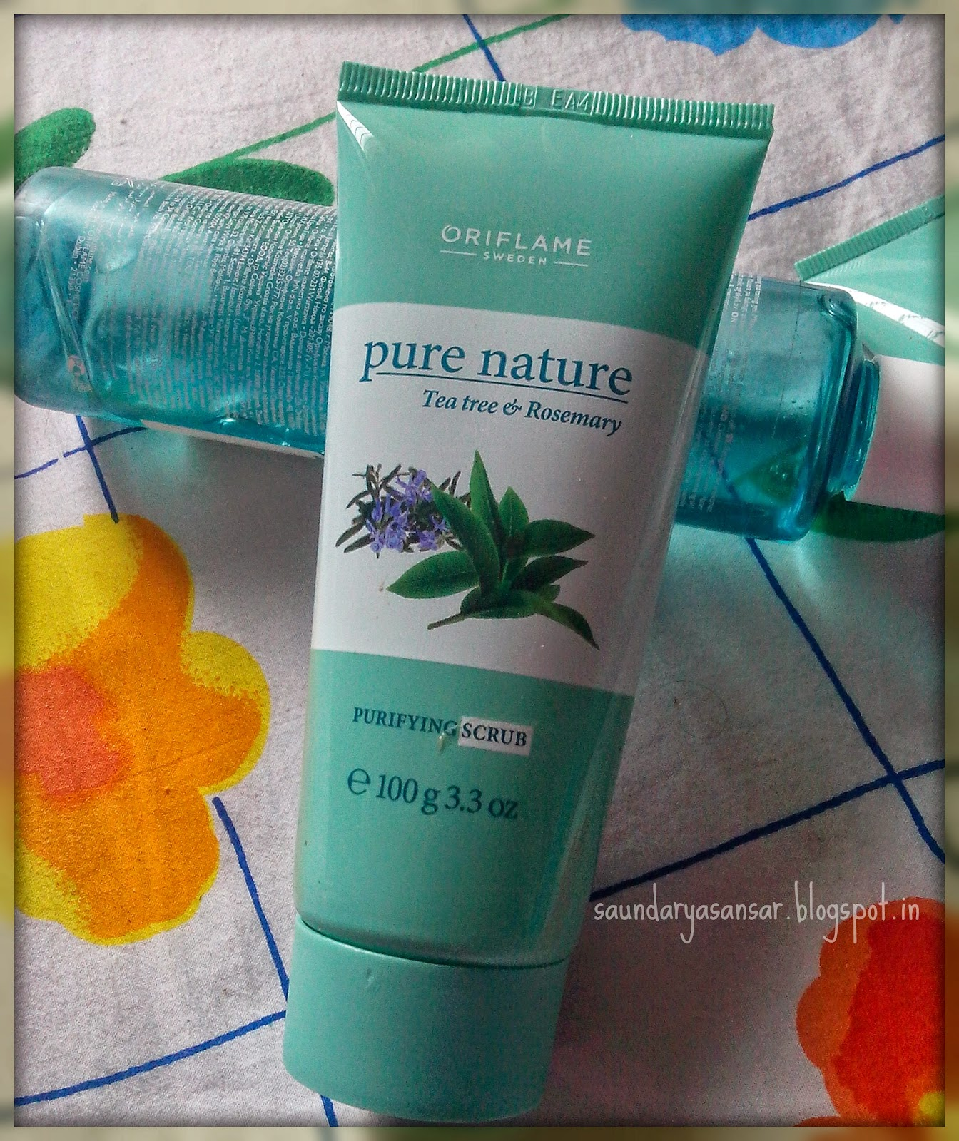 ORIFLAME-PURE-NATURE-Tea-Tree-and-Rosemary-Purifying-Scrub-Review