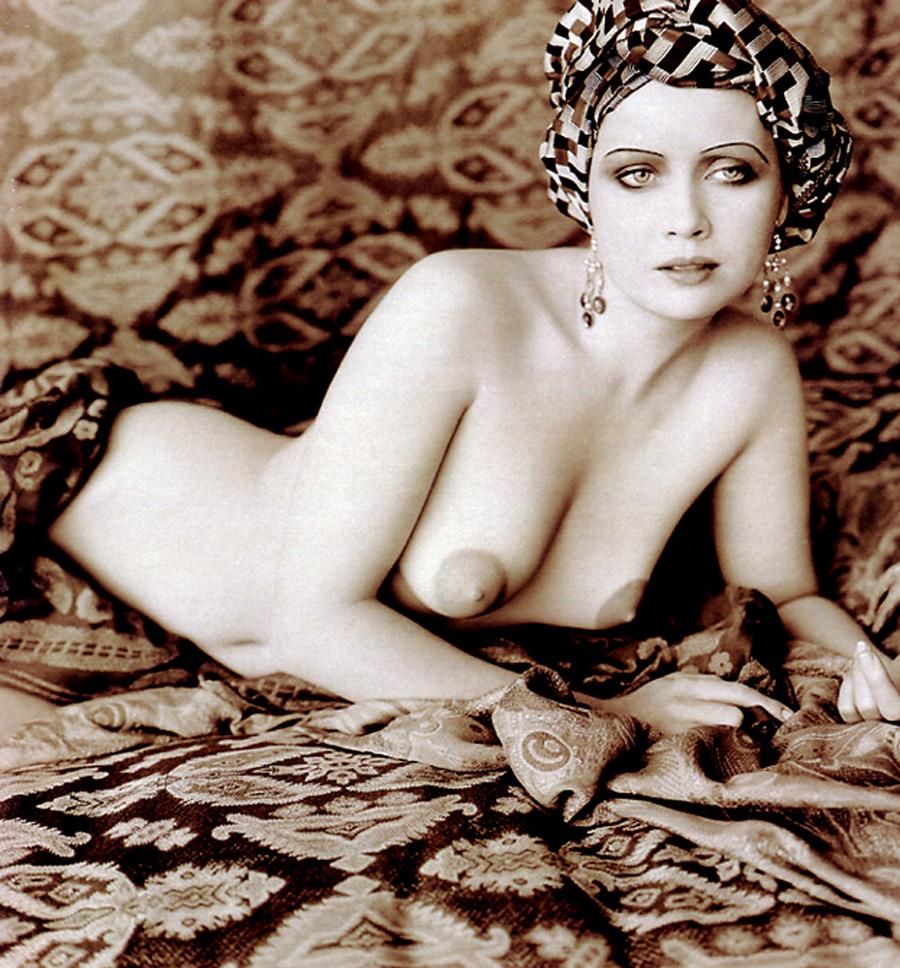 Ebony bbw nude body