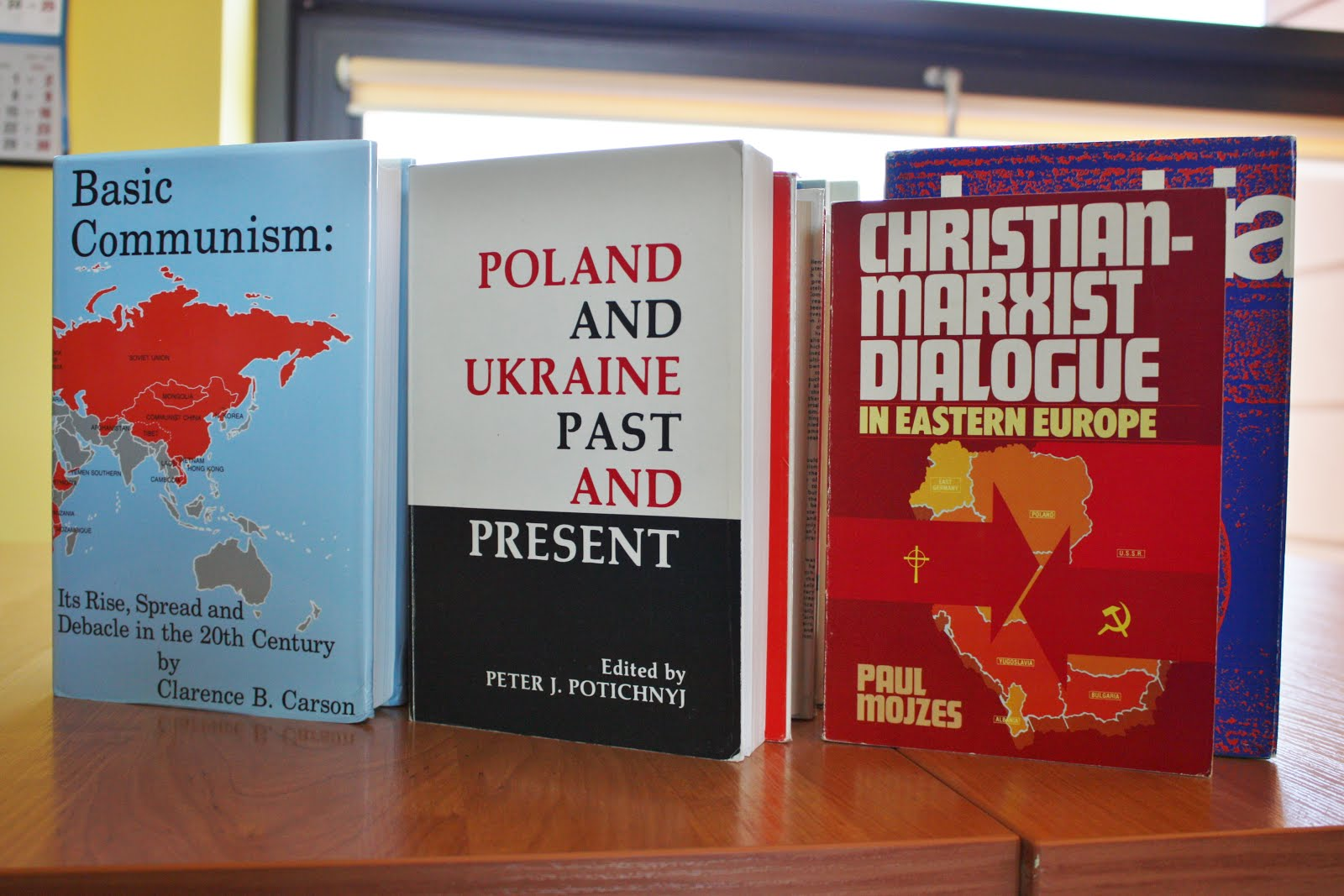Cenne zbiory książek i czasopism wzbogaciły zbiory naszej biblioteki