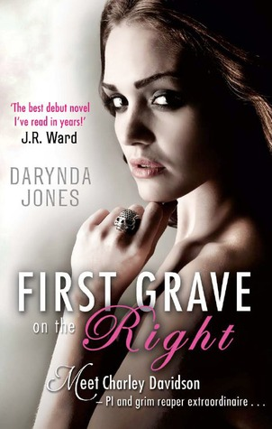 Charley Davidson - Tome 1 : Première tombe sur la droite de Darynda Jones First grave on the right