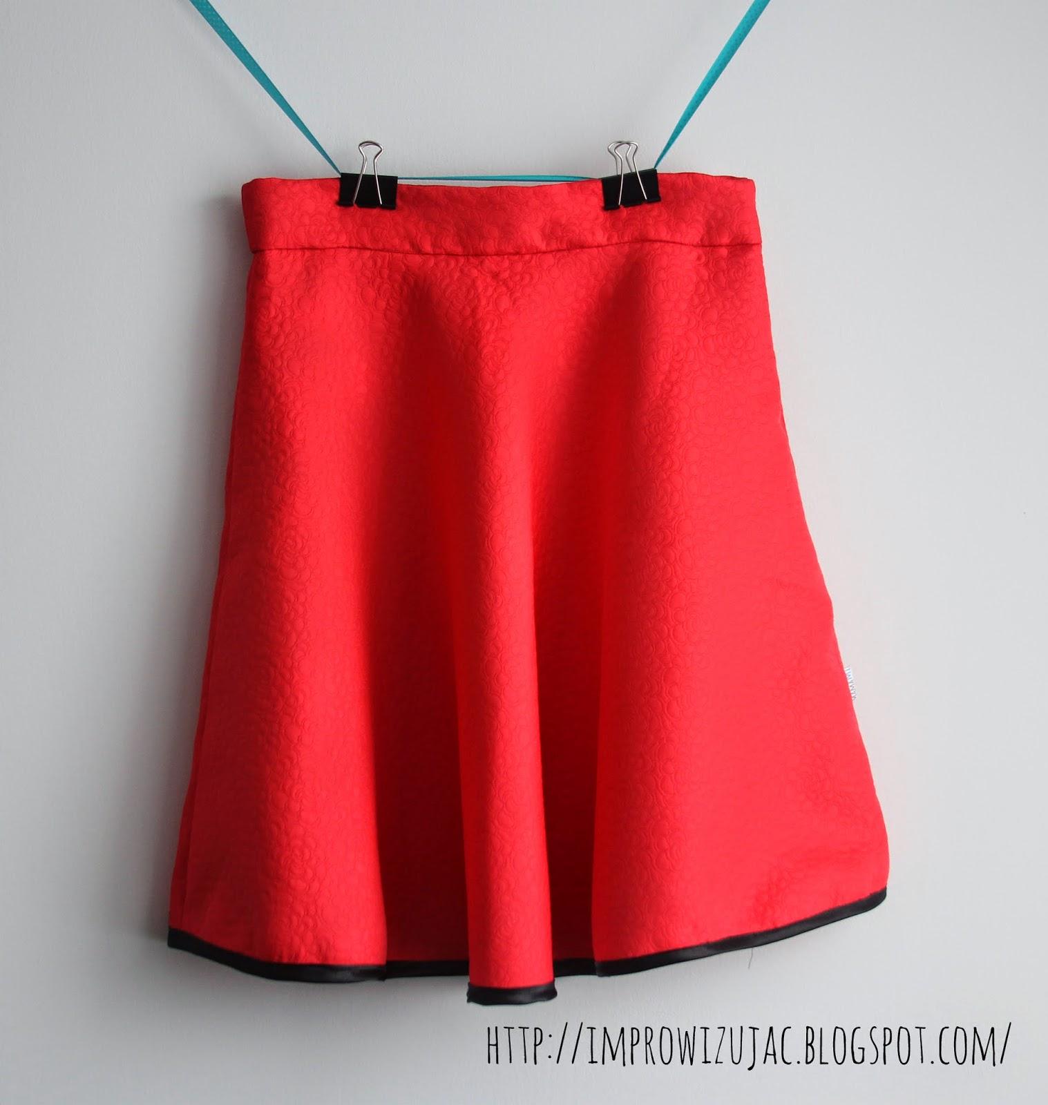 Spódnica z półkola.