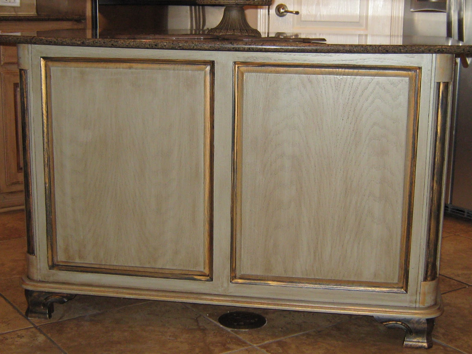 Lynda bergman decorative artisan kitchen island i painted for jackie 39 s kitchen - How to glaze kitchen cabinets that are painted ...