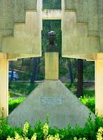 Paco Martinez Soria-estatua