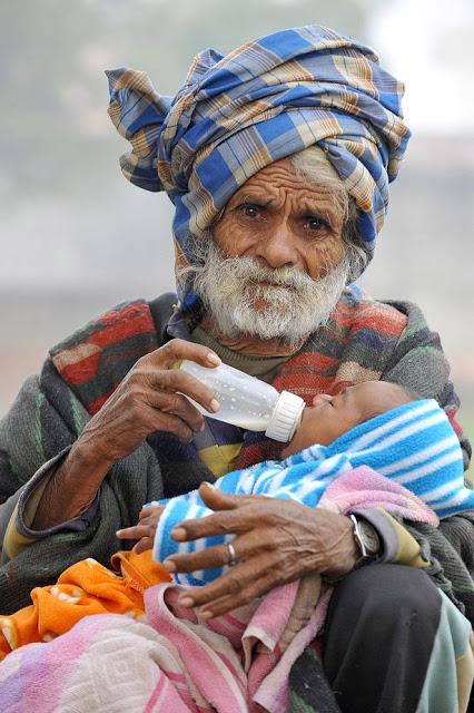 A los 96 años, el padre más viejo del mundo