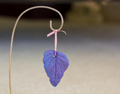 Sand cast leaf ornaments