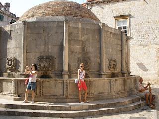 Gran Fuente de Onofrio, principal fuente de abastecimiento de agua de Dubrovnik en la antigüedad.