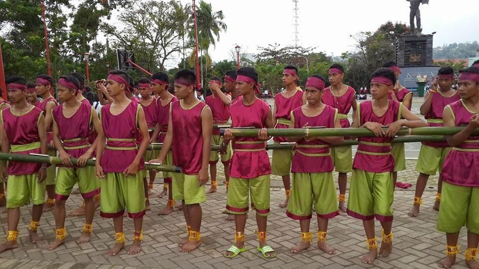 Tarian Banbu Gila di HUT Kota Ambon ke-439