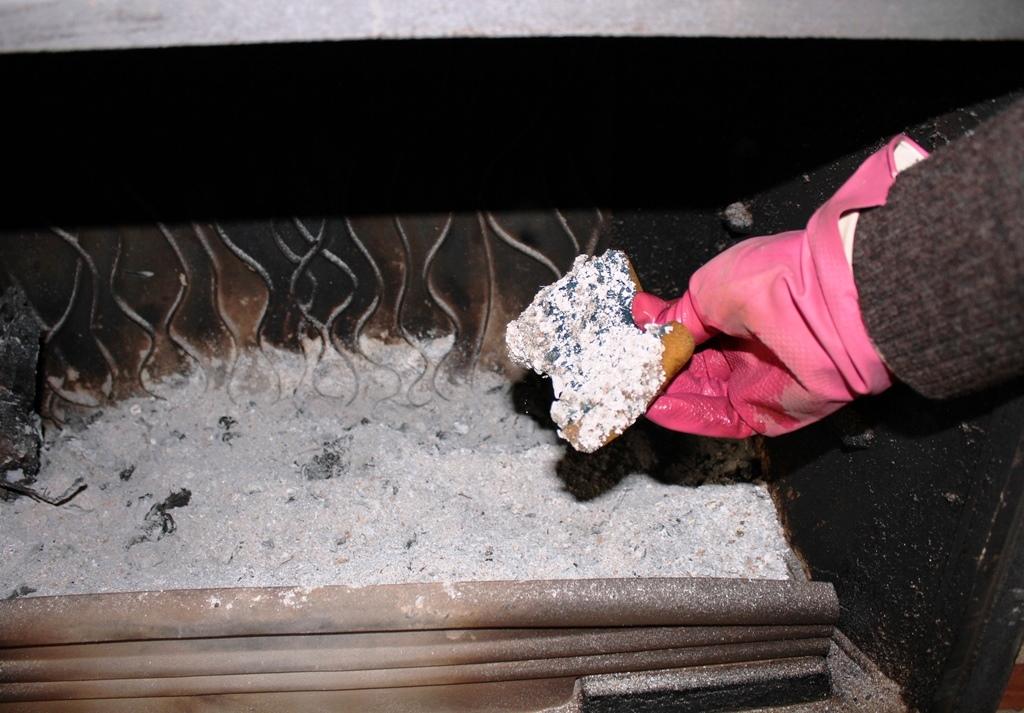 Como limpiar el cristal de la chimenea o estufa recetas - Cocinar en la chimenea ...