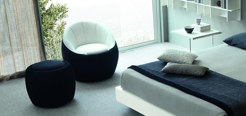 Christopher william adach handbook europeo furniture collection - Sedia per camera da letto ...