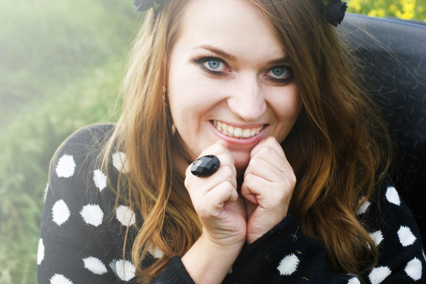 smile gothic girl