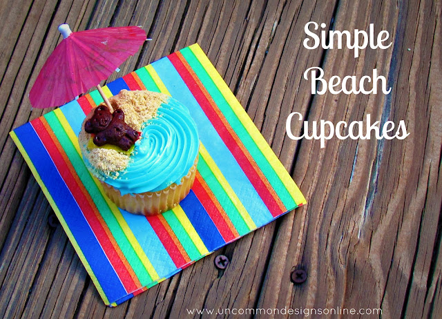 How fun are these Simple Beach Cupcakes!  via www.uncommondesignsonline A sweet teddy bear hanging out at the beach. #summer #cupcakes #kidstreat