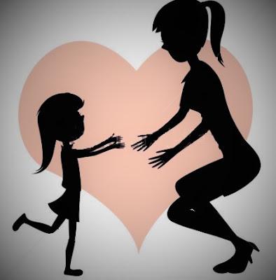Petite fille amoureuse de sa maman
